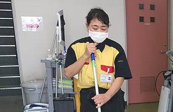 病院感染対策清掃の様子