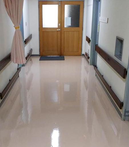 床清掃した病院の床