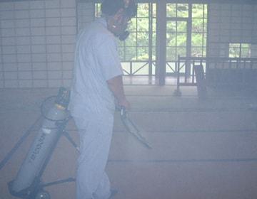 ガス剤による空中噴霧
