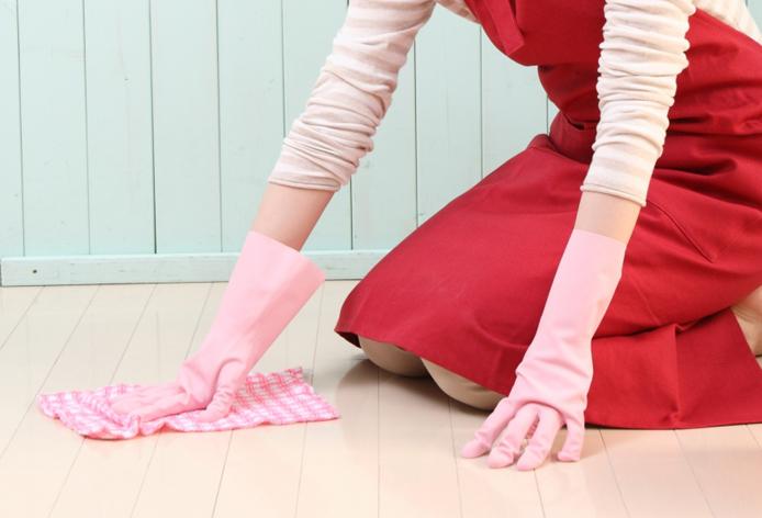 女性清掃スタッフ