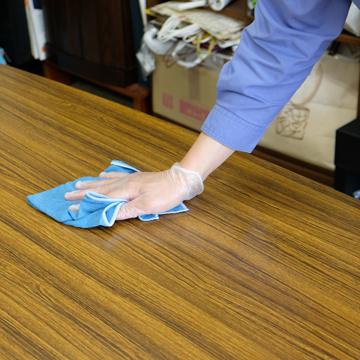 テーブル、机の消毒